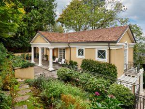 2525 SW Hillcrest Dr Portland-large-057-058-Front of Home-1334x1000-72dpi